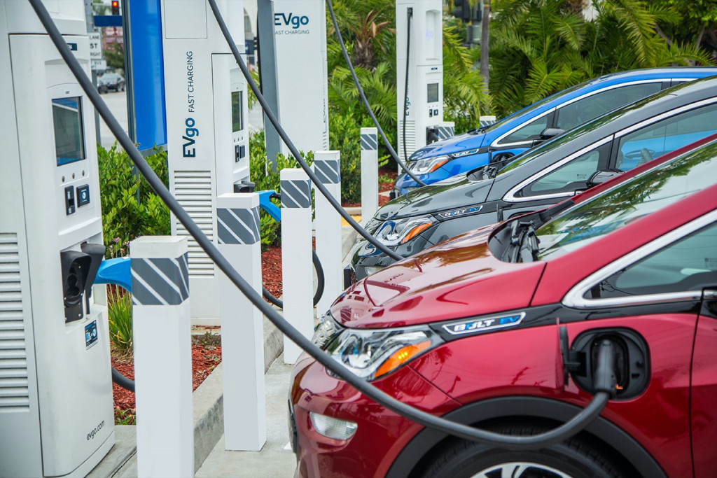 GM and EVgo expand major-metro fast charging